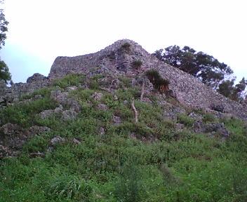 グスクに入って見える城壁