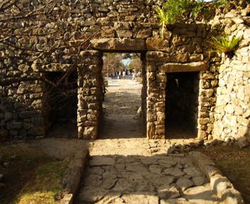 内側から見た平郎門。