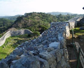 主郭の城壁