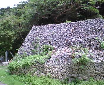 新城の城壁
