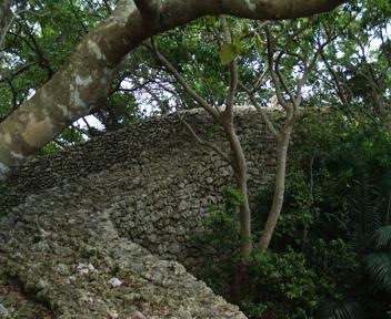 外郭東側城壁