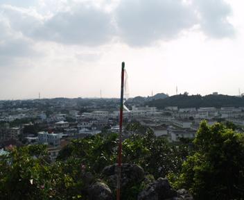 安慶名グスク頂上部