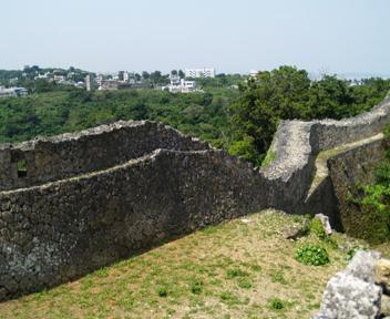 北の郭城壁。